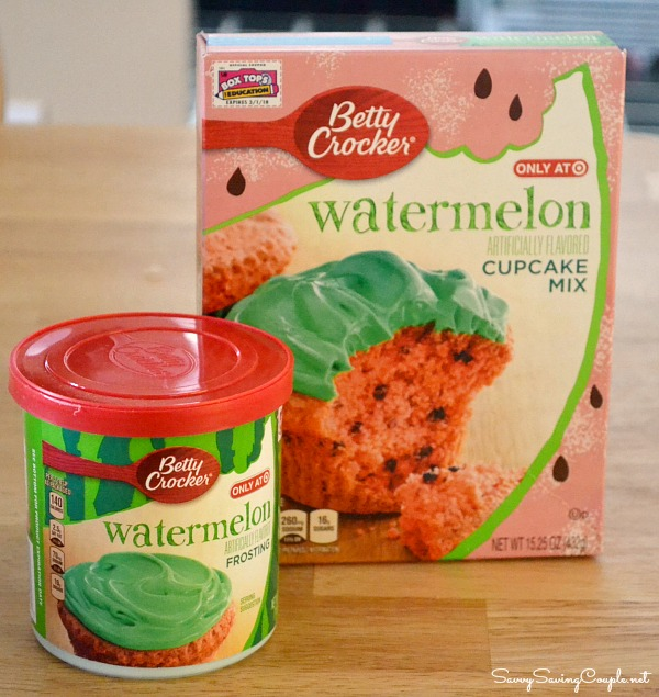 Betty-Crocker-Watermelon-Frosting-and-cupcakes