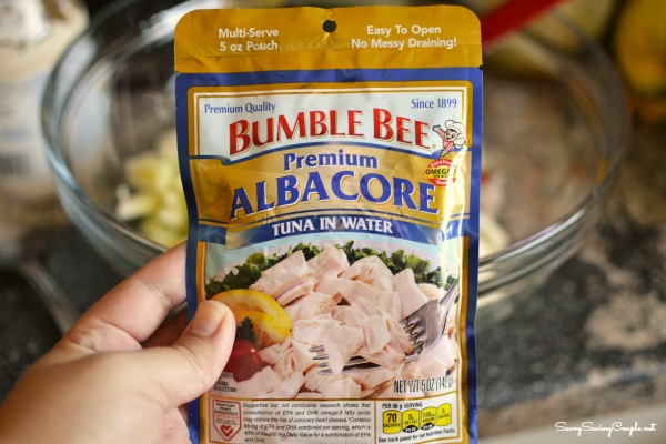 Bumblebee Albacore in water pouch Easy Tuna Pasta Salad Recipe with Peas, Veggies, and Cheese #BumbleBeeB2S