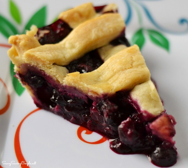 Homestyle-Blueberry-pie