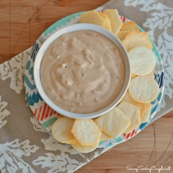 onion dip Totally Awesome and Easy 4 Ingredient Creamy Chipotle Onion Dip #TabsacoHellmans